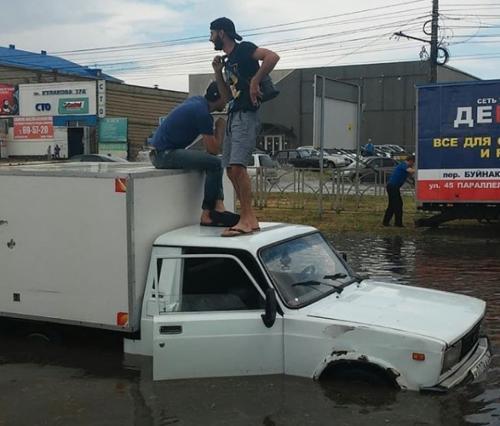 Северо-западный район Ставрополя ушел под воду из-за ливня