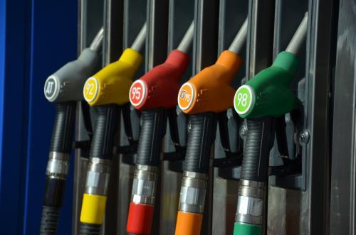 Снижение акцизов в России остановит рост стоимости бензина