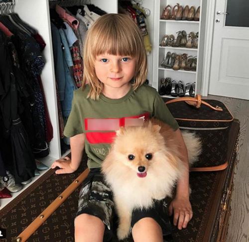 «Надавать по шее»: Яна Рудковская разрешила сыну грубо обращаться с девочкой