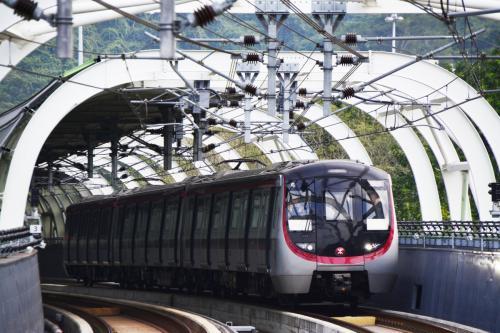 Парфюмерная вода спровоцировала задержку поезда в Китае