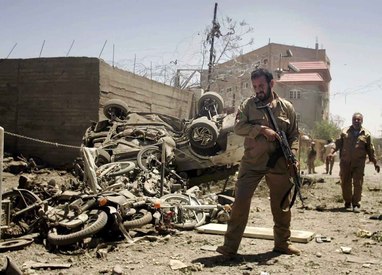 Навостоке Афганистана при взрыве погибли минимум 10 человек