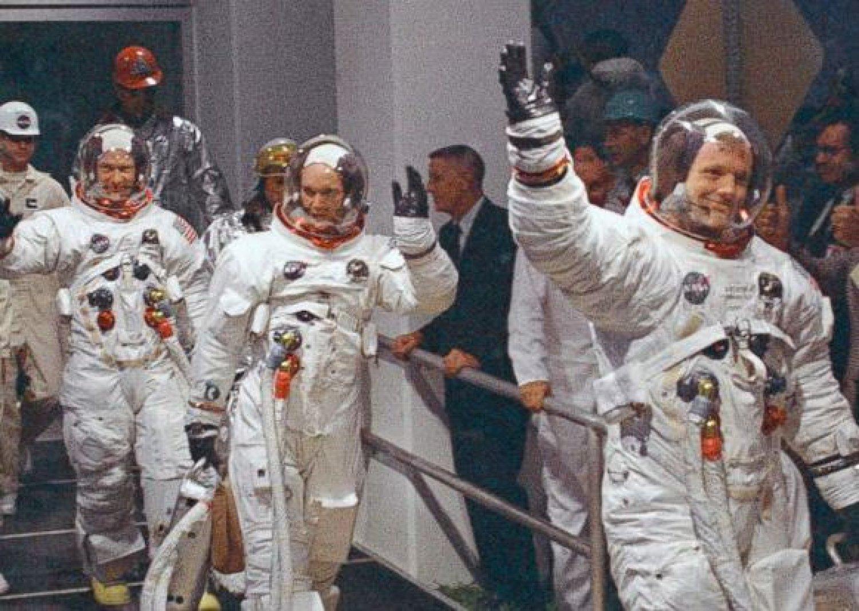 ВСША попробуют реализовать саукциона личные вещи Нила Армстронга
