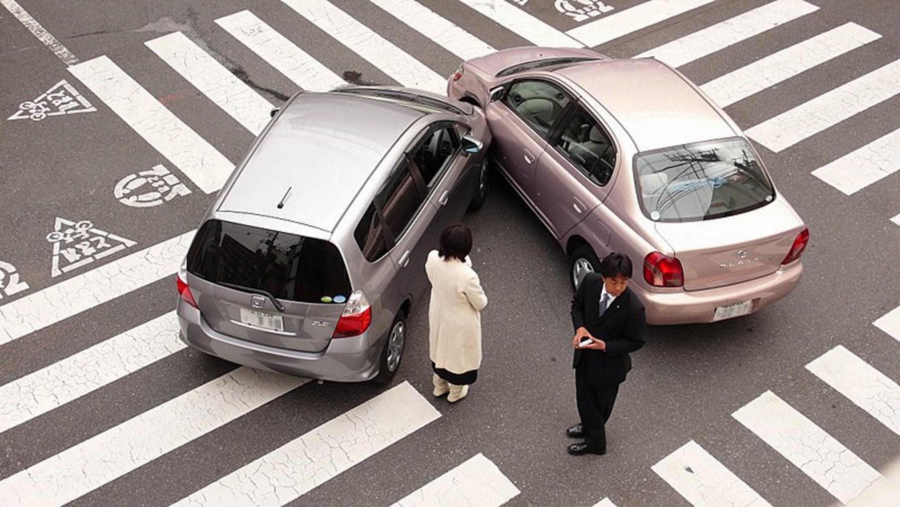 ВГермании столкнулись 10 машин, погибли 4 человека