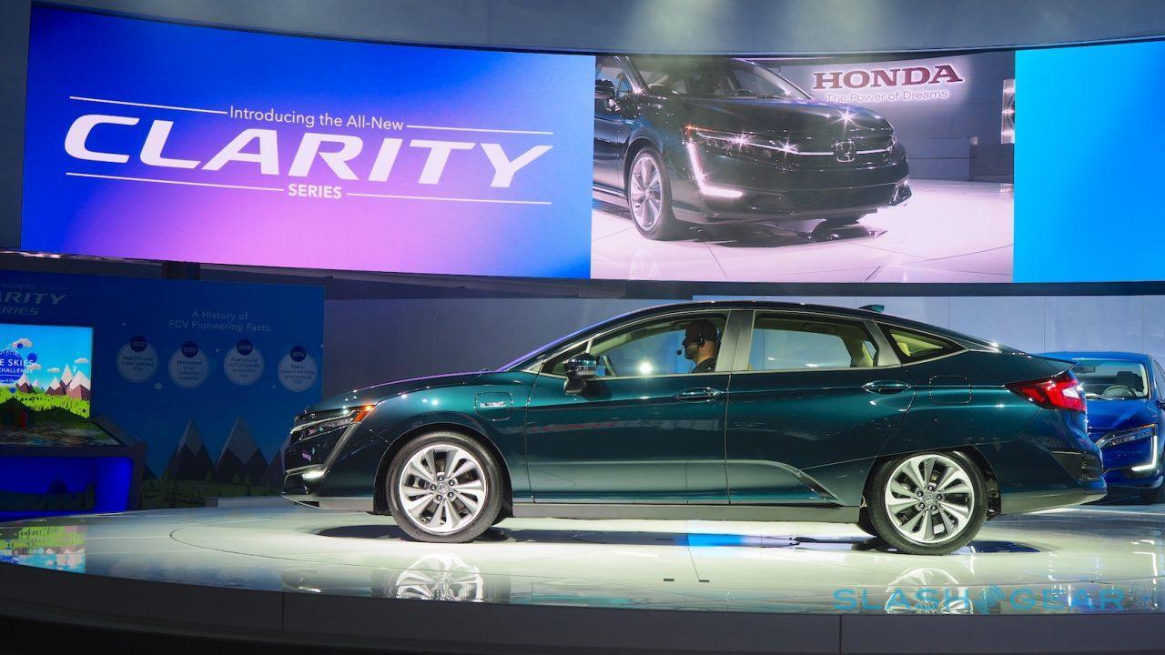 Две трети реализуемых авто электрифицирует Хонда к 2030