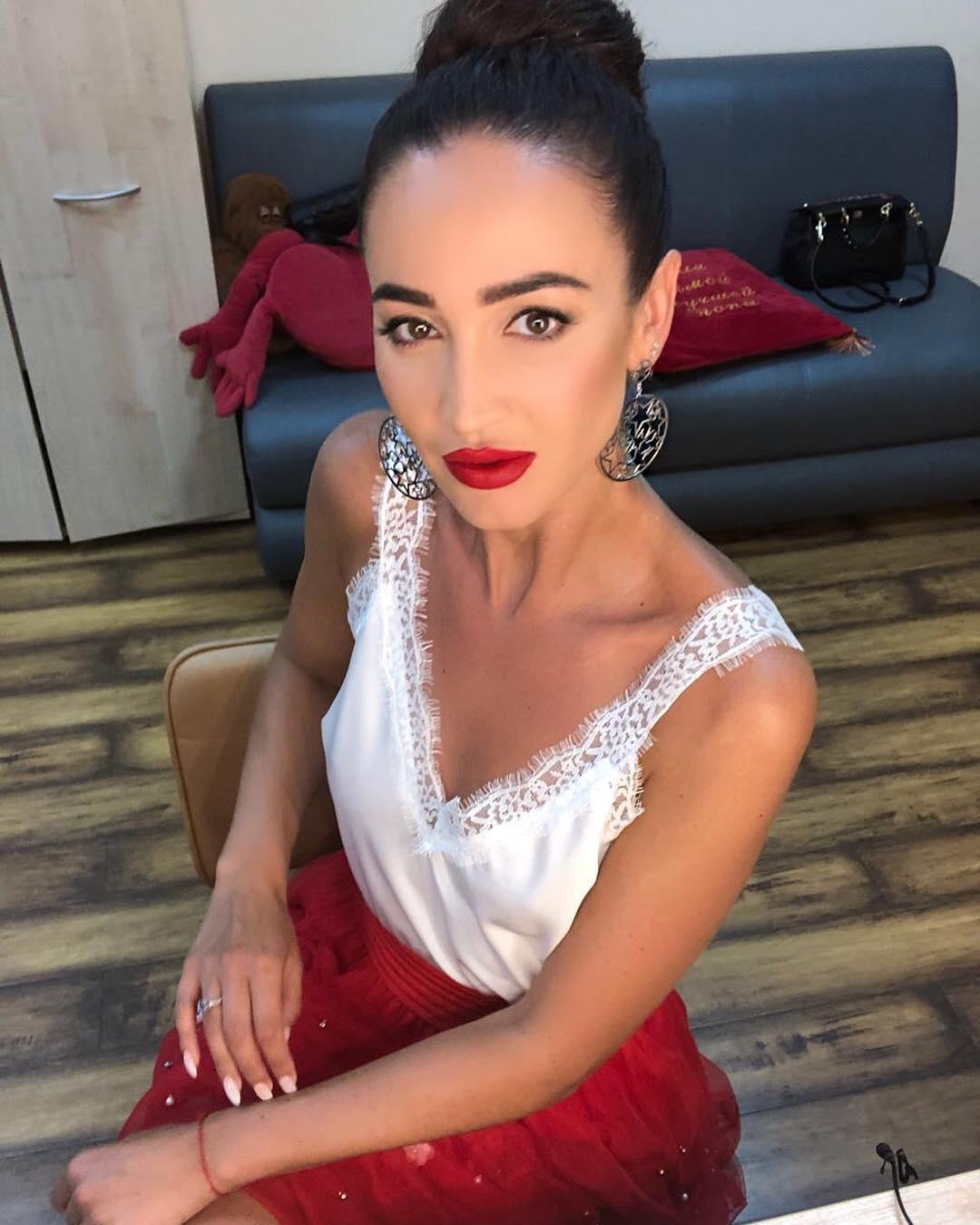 Ольга Бузова угодила  вДТП: Первые фото сместа трагедии