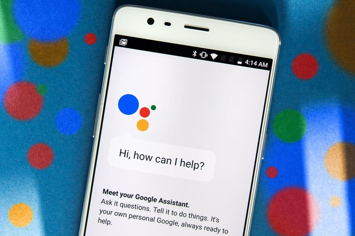Google Assistant получил поддержку русского языка. Как пользоваться?