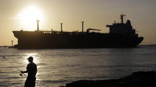 Сенаторы одобрили повышение пошлин на экспорт бензина