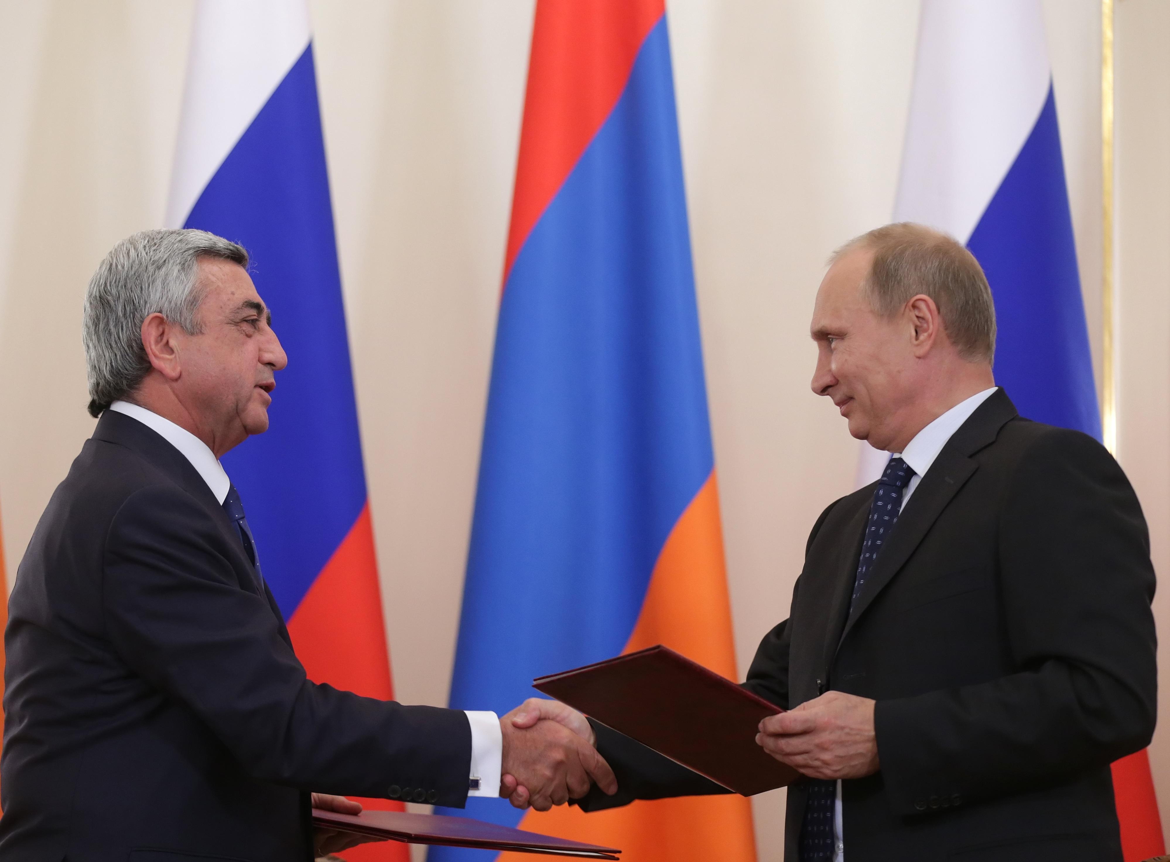 Действия новых властей Армении вызывают раздражение вКремле
