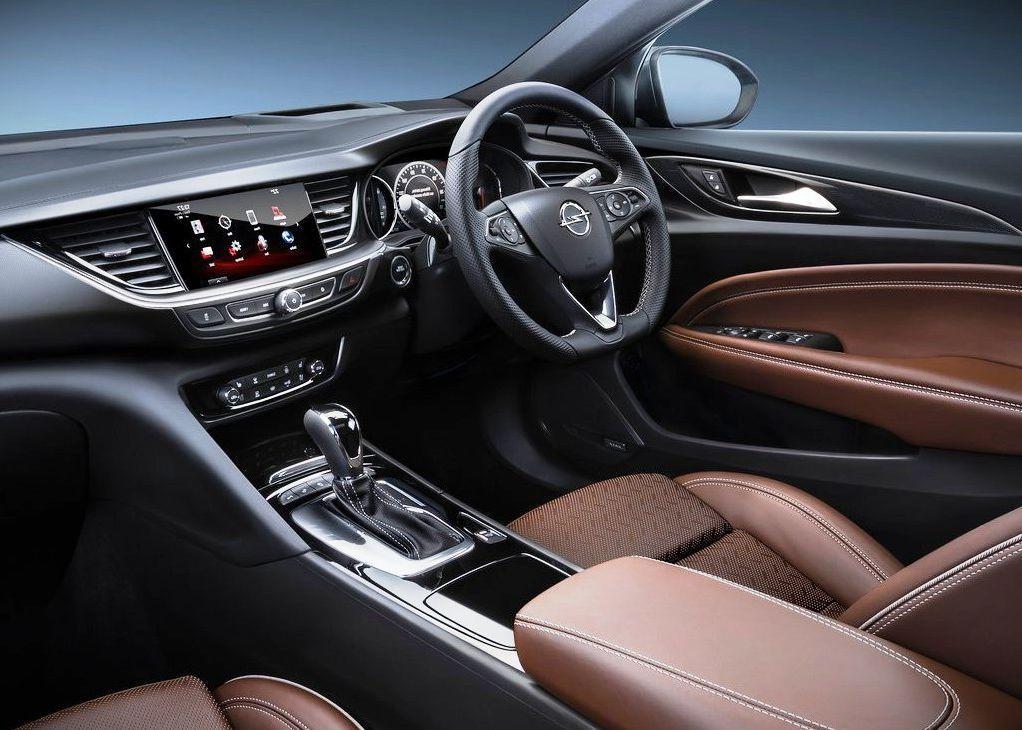 Модель Опель Insignia будет выпускаться сновым мотором