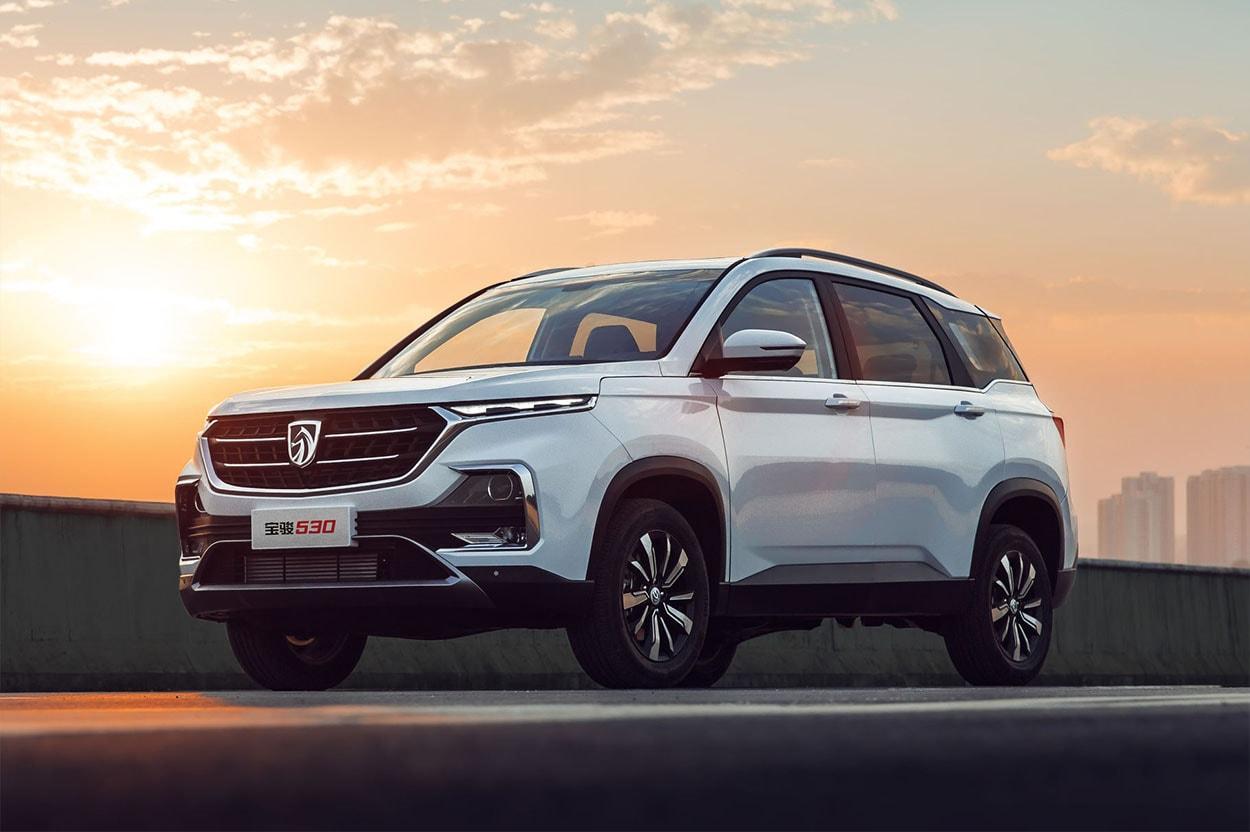 GMначнёт торговать перелицованный Baojun 530 под маркой Wuling