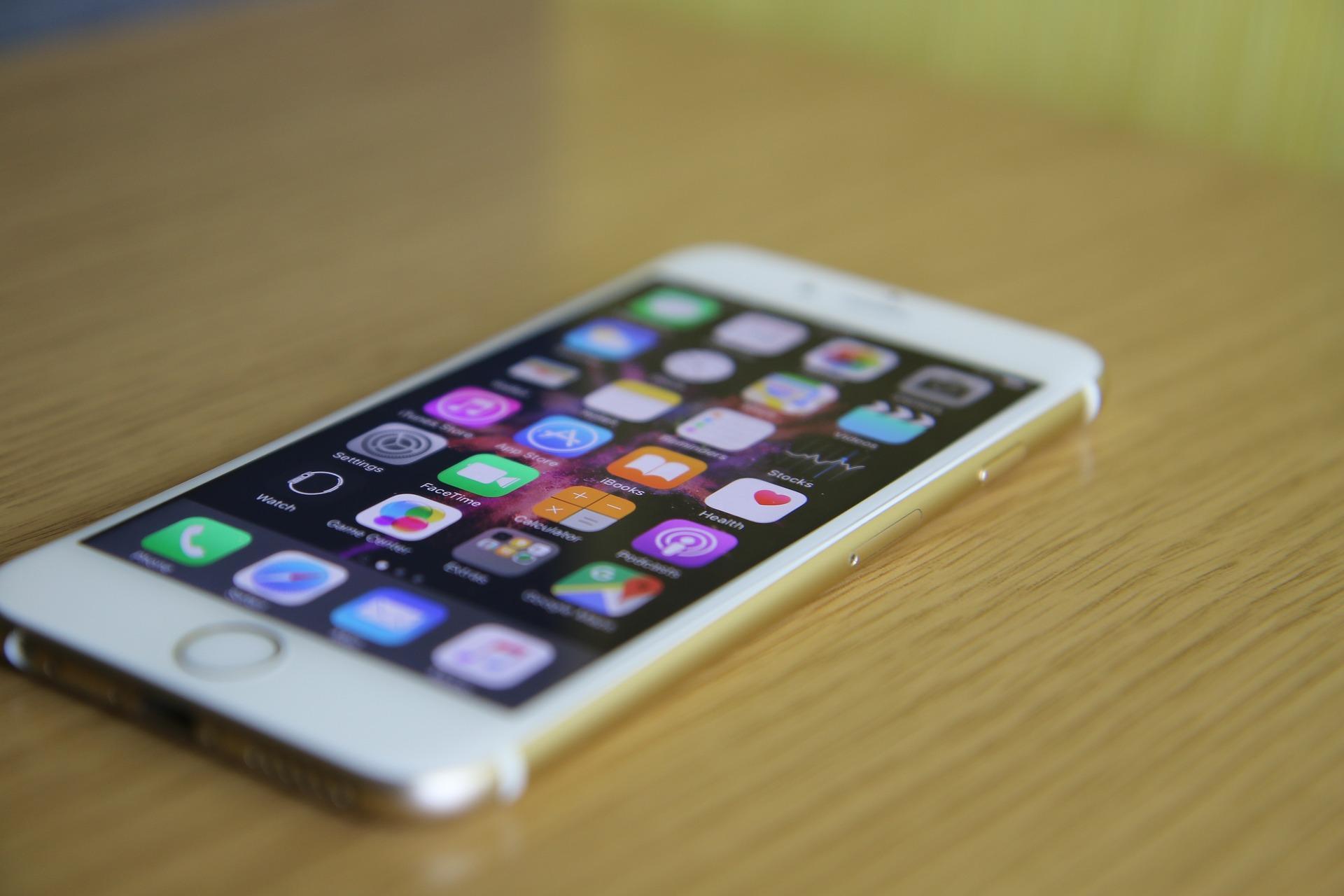 2021cee4a0a5 Понты за копейки  iPhone 6s рухнул в цене почти в два раза