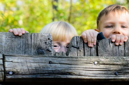 «Одичалые дети» в Краснодаре стали бросаться на воспитанников детсада