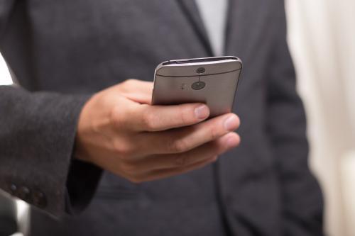 Отменный смартфон за $100: ТОП-5 китайских «iPhone для бомжей»