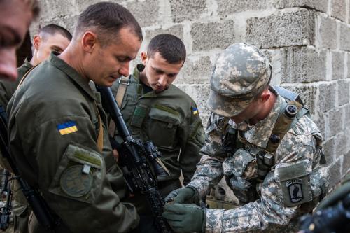 Эксперты: США могут отказать Украине в военной помощи из-за её сделок с Китаем