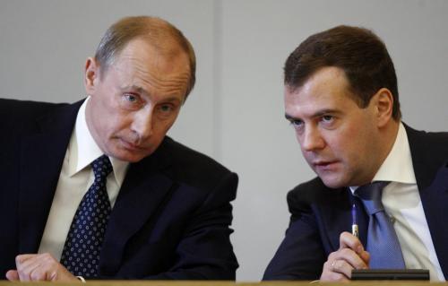 Рейтинг доверия к Путину и Медведеву возрастает