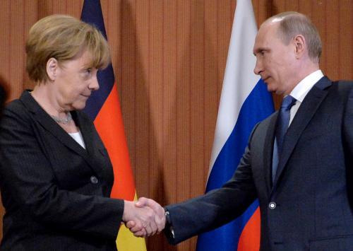 Российско-германская внешнеторговая палата просит Меркель и Путина обсудить пути выхода из режима санкций