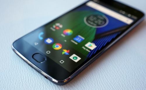 В Сети появился внешний вид и характеристики смартфона Motorola One