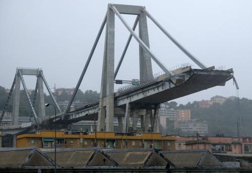 Эксперты: Влияние Нибиру ослабило мост в Генуе за месяц до крушения