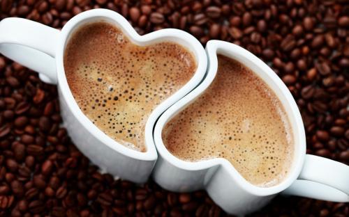 Специалисты: Привычка ежедневно пить кофе может привести к головным болям