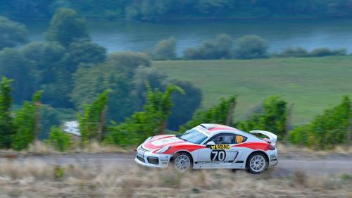 Экстремальный Porsche Cayman GT4 Clubsport Rally прошел этап WRC