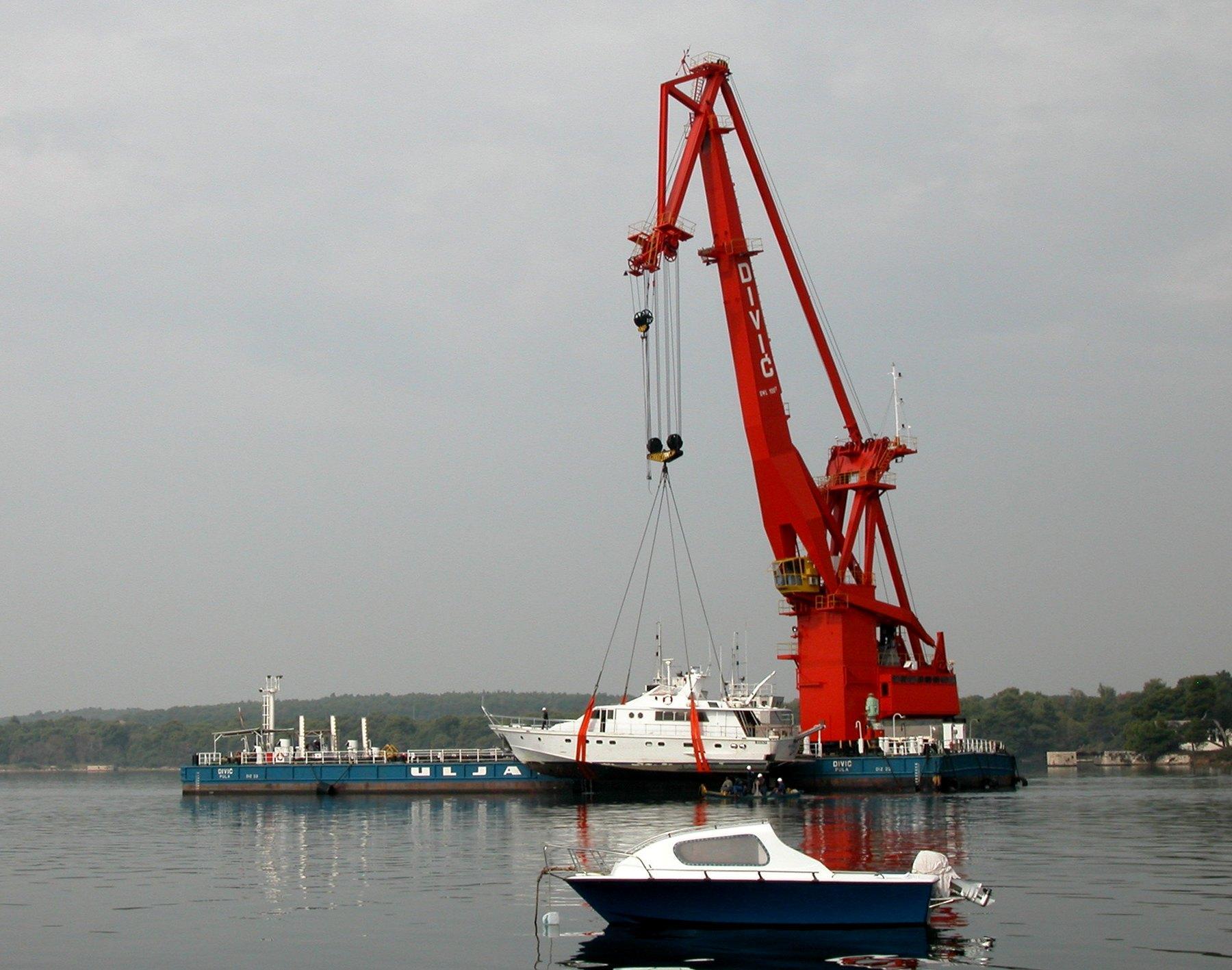 Названа самая уязвимая часть проблемного Крымского моста
