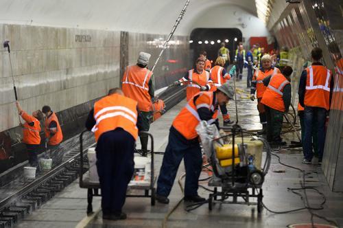 В Москве завершена генеральная уборка станций метро ко Дню города