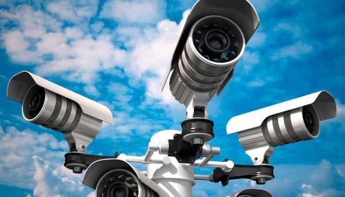 Омичи удивлены странными камерами на дорогах по всему городу