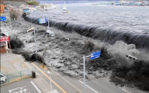 «Смертельный удар»: Летчик авиалайнера увидел рождение цунами возле Сулавеси