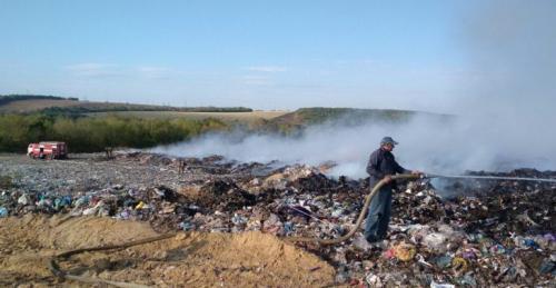 Жители деревни в Башкирии жалуются на горящую свалку