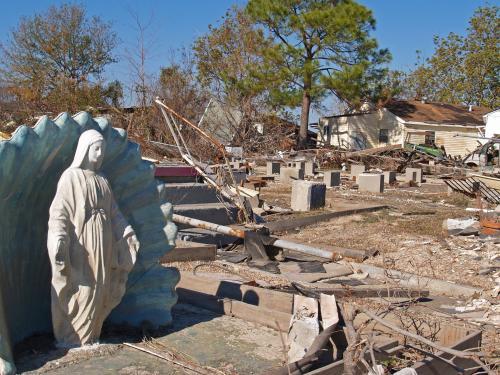 Спутник запечатлел процесс разрушения Индонезии землетрясением