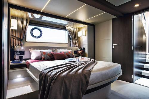 Курортный отель The St. Regis Maldives предлагает гостям круиз на яхте Norma