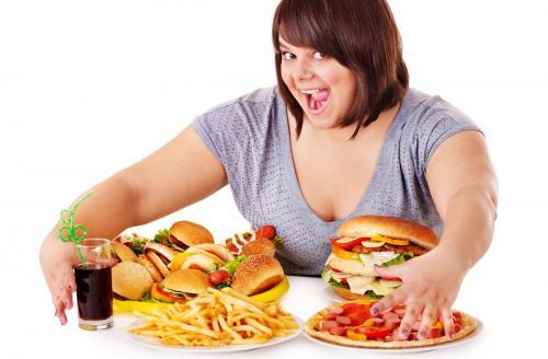 Ученые: Три поколения потомков матерей-любительниц фастфудов обречены на ожирение