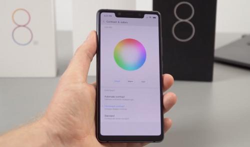 Xiaomi вынуждена продавать смартфоны Mi 8 на Украине за полцены из-за недостатка средств у населения