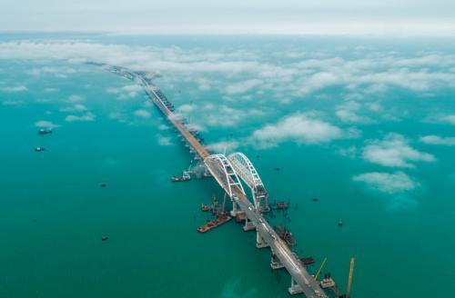 «Мост же построили»: Люди в соцсетях хотят космодром в Крыму