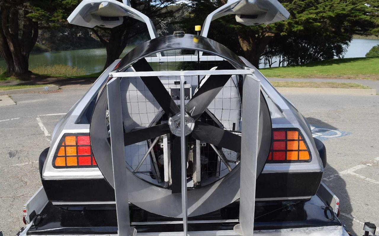 Летающий прототип DeLorean реализуют вглобальной web-сети за3 млн руб.