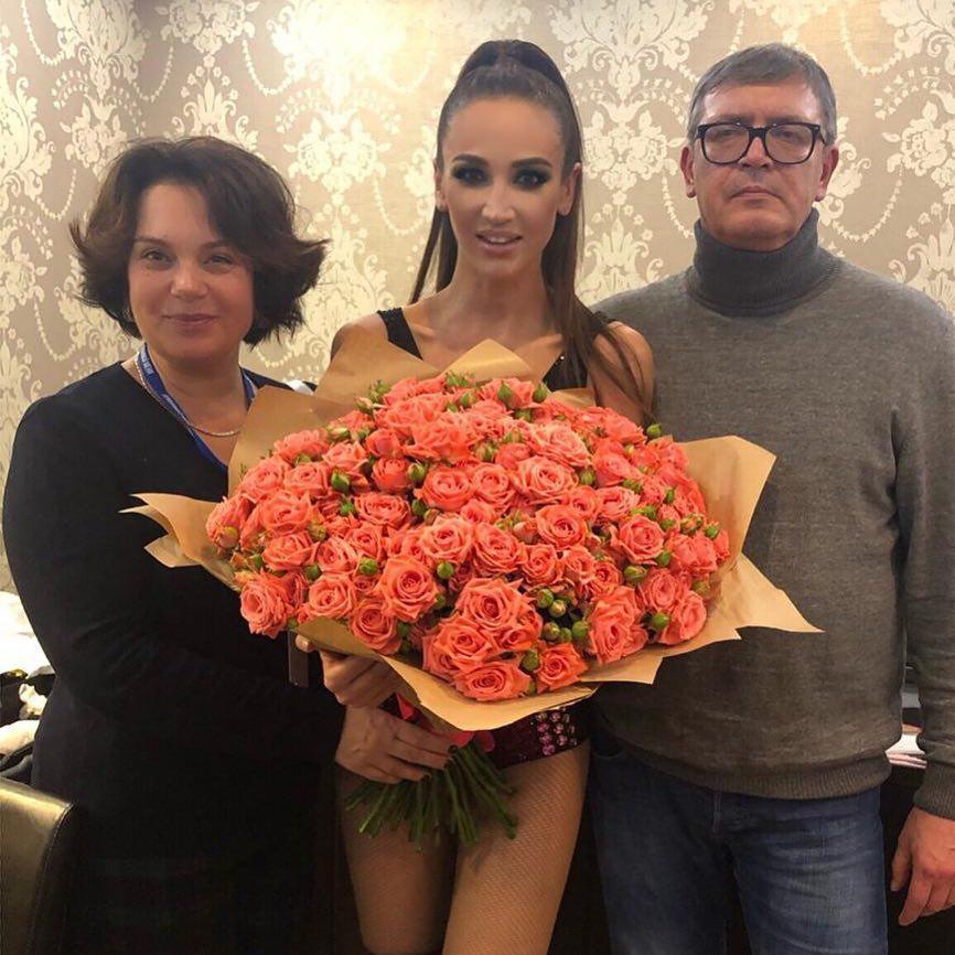 «Хочет обрести семью»  Одинокая Ольга Бузова пытается воссоединить родителей 76bacd085c4