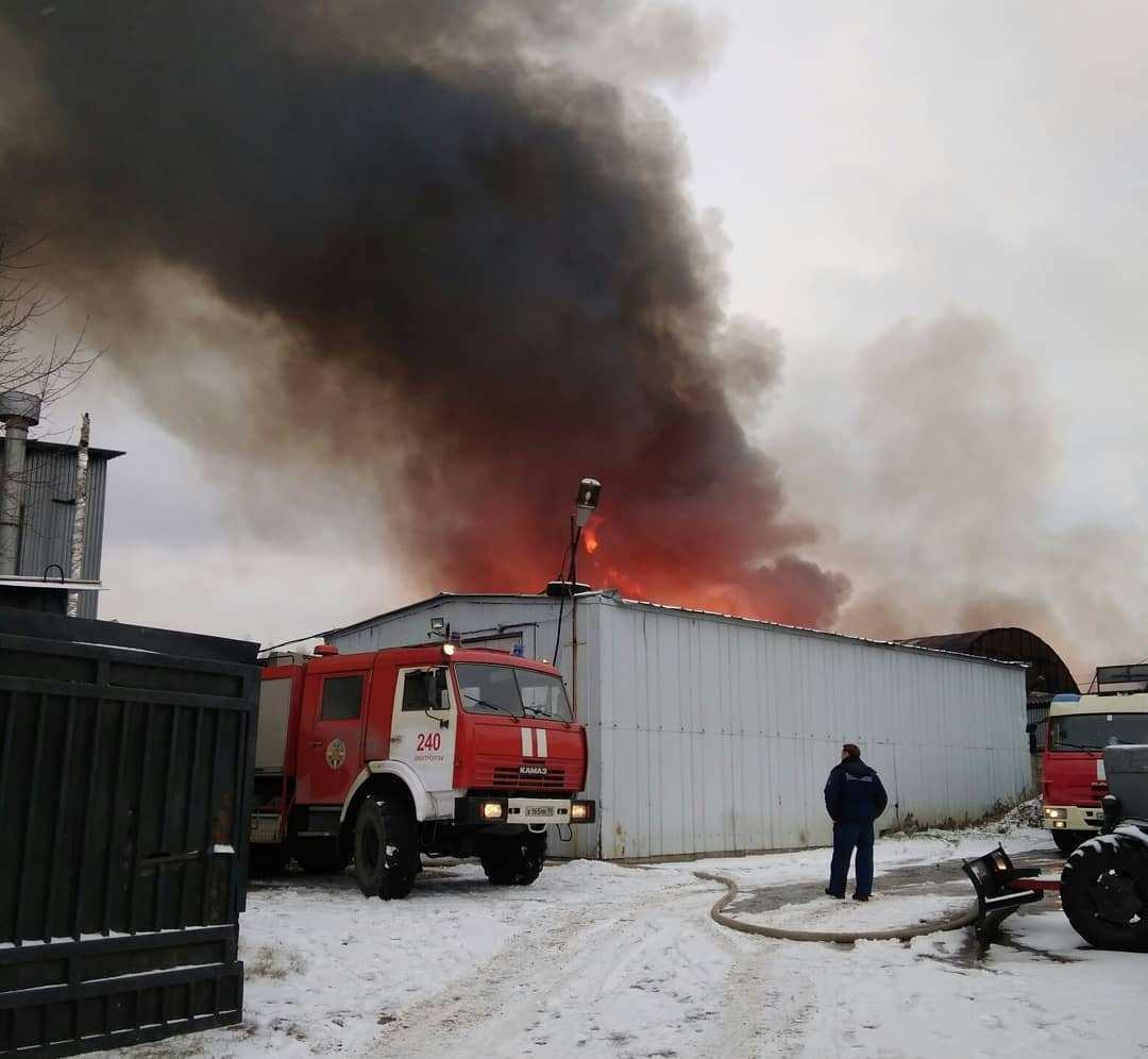 ВБалашихе локализовали пожар настроительном рынке