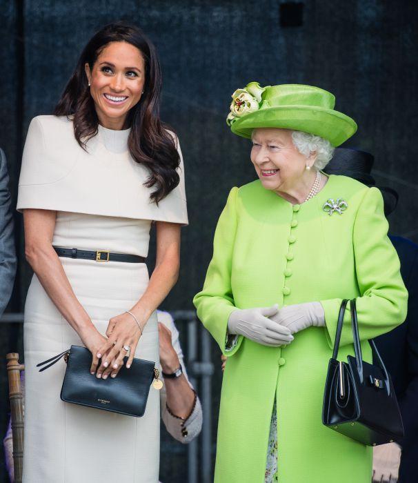Скандальные фото королевой
