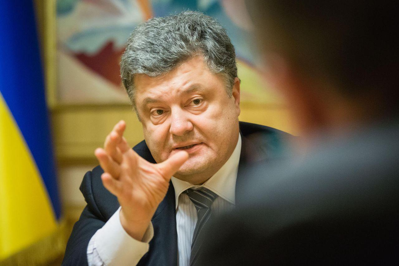 Автобаза Госуправления делами купила два Мерседес Бенс  за42 млн грн