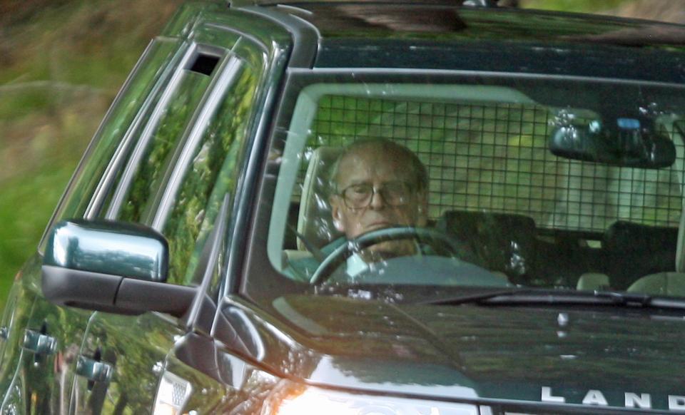 НаБританских островах  97-летний супруг  королевы Елизаветы попал вДТП