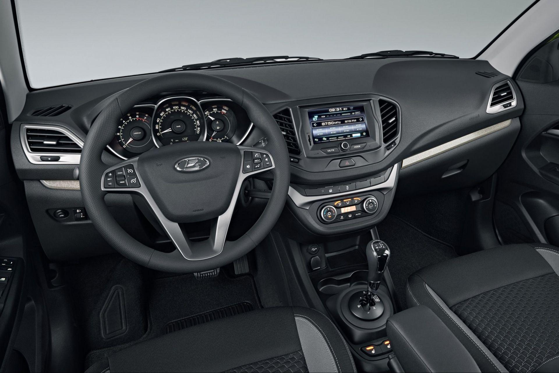 Волжский автомобильный завод выпустил 300-тысячную Лада Vesta
