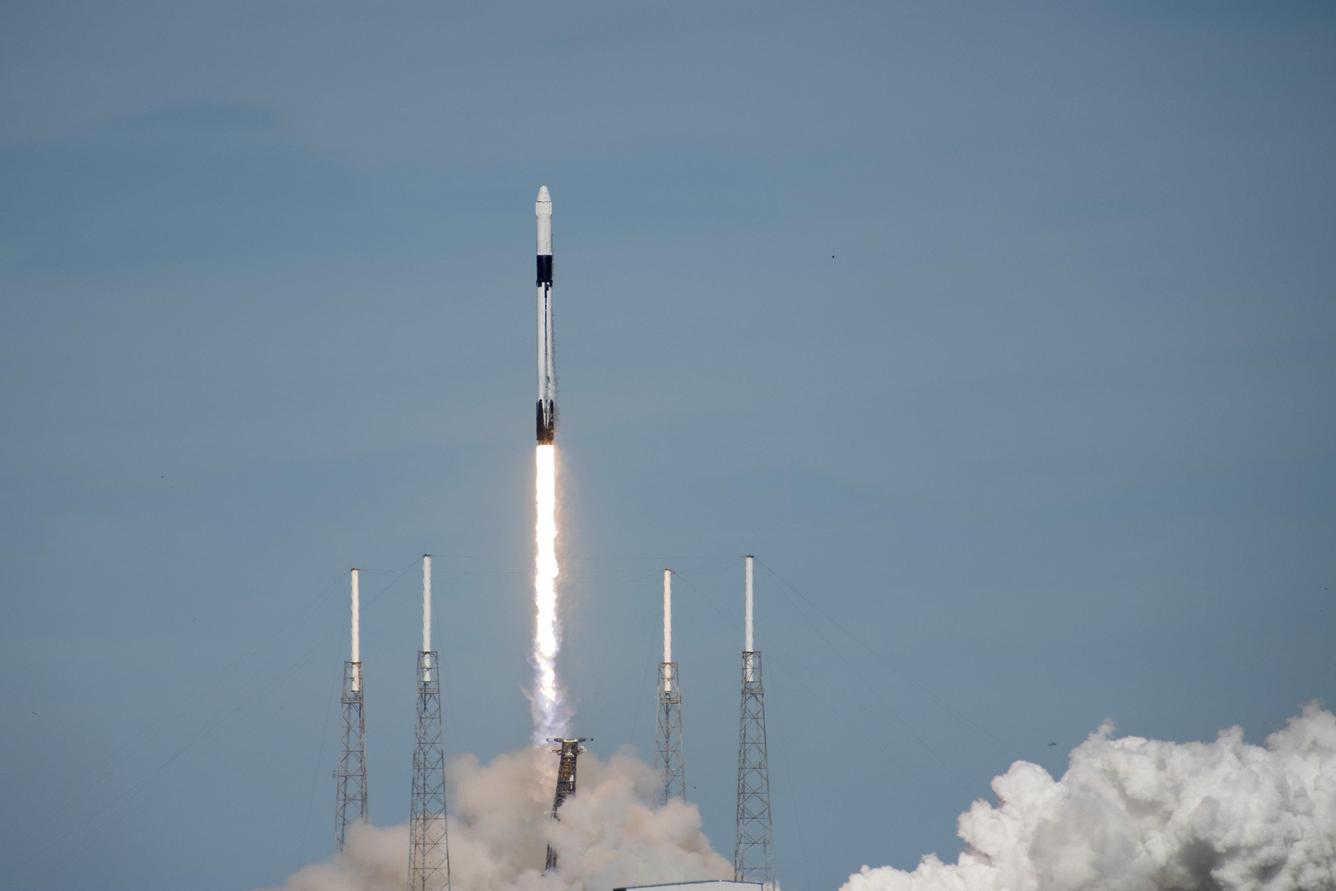 Запуск зонда DART поручили SpaceX