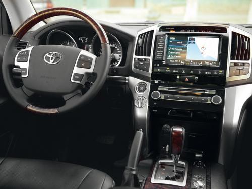 «Нет живого места»: Подборщик рассказал о самом убитом Toyota Land Cruiser 200
