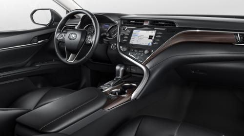 «Он меня просто культурно послал»: Эксперт рассказал, как добивался справедливости для владельца Toyota Camry у дилера