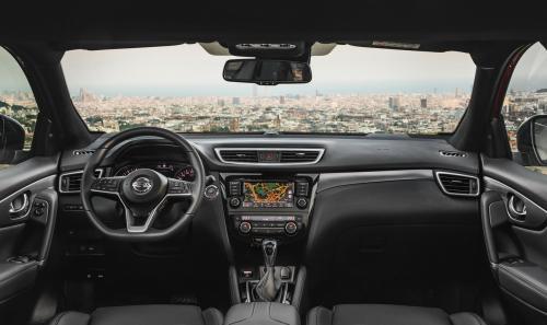 «Чуть лучше, чуть кроссовернее»: Откровенно о новом Nissan Qashqai высказался блогер