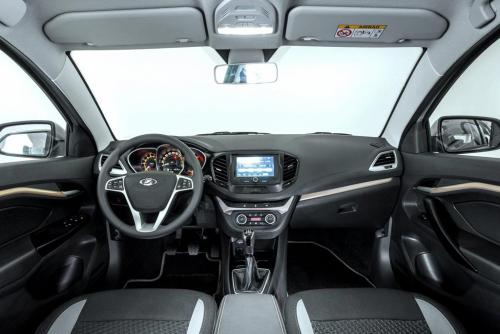 «Видны дырки, все хрустит, так не должно быть»: Владелец LADA Vesta SW рассказал о недостатках автомобиля