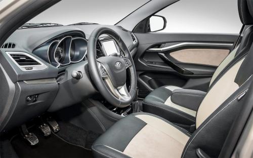 Идеальное состояние кузова LADA Vesta после года в такси показал владелец
