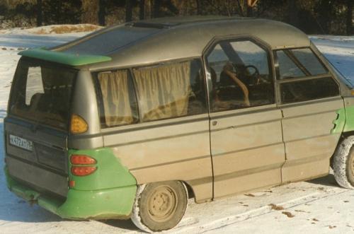 «Русская Multipla»: В сети обсудили самодельный автомобиль 1996 года