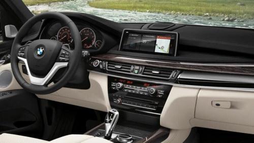 «Когда хотел сэкономить, но не получилось»: Владельца газодизельного BMW X5 подняли на смех в сети