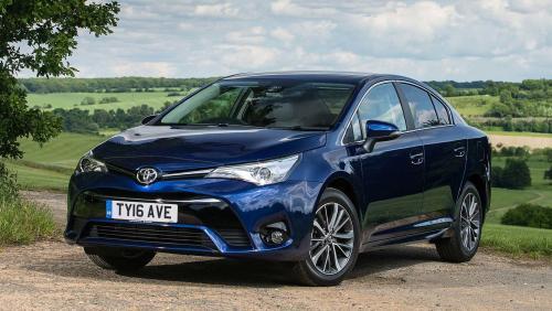 «Умеет экономить деньги своего владельца»: Чего ожидать от Toyota Avensis со «вторички» рассказали эксперты